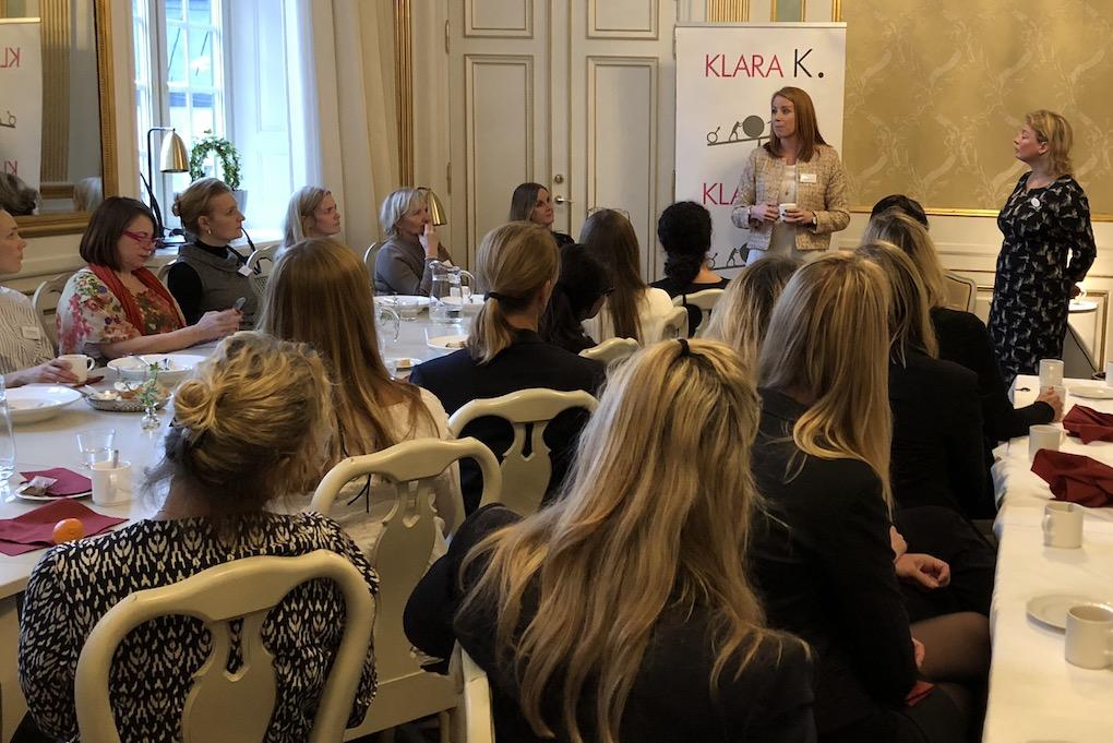 Små Nätverk Gynnar Kvinnors Karriärer